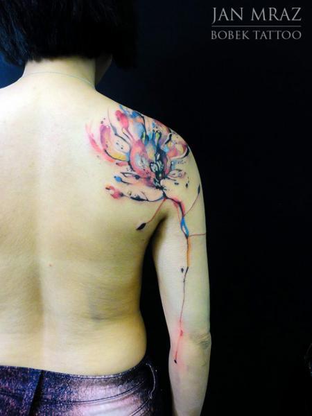 Schulter Arm Blumen Abstrakt Tattoo von Jan Mràz