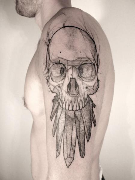 Tatuaggio Spalla Teschio Dotwork di Jan Mràz