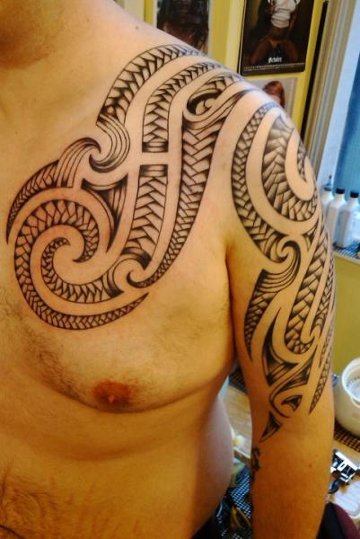 Shoulder Chest Tribal Tattoo by Body Line Tattoo