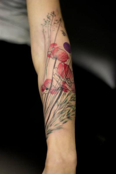 Tatuaggio Braccio Fiore Acquarello di Dead Romanoff Tattoo