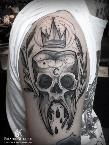 Shoulder Skull Tooth Tattoo by Piranha Tattoo Studio