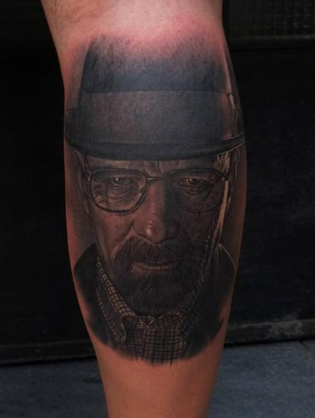 Tatuaje Brazo Retrato Realista Walter White Heisenberg por Fredy Tattoo