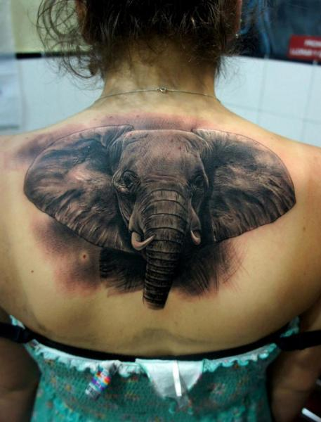 realistische r cken elefant tattoo von fredy tattoo. Black Bedroom Furniture Sets. Home Design Ideas