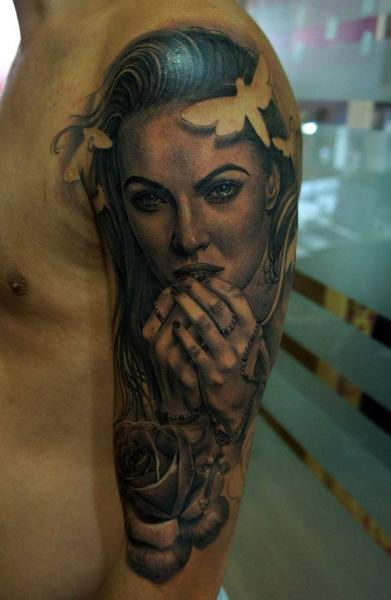 Shoulder Realistic Megan Fox Tattoo by Fredy Tattoo