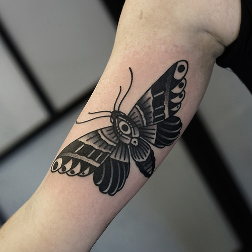 Arm Old School Schmetterling Tattoo von Philip Yarnell