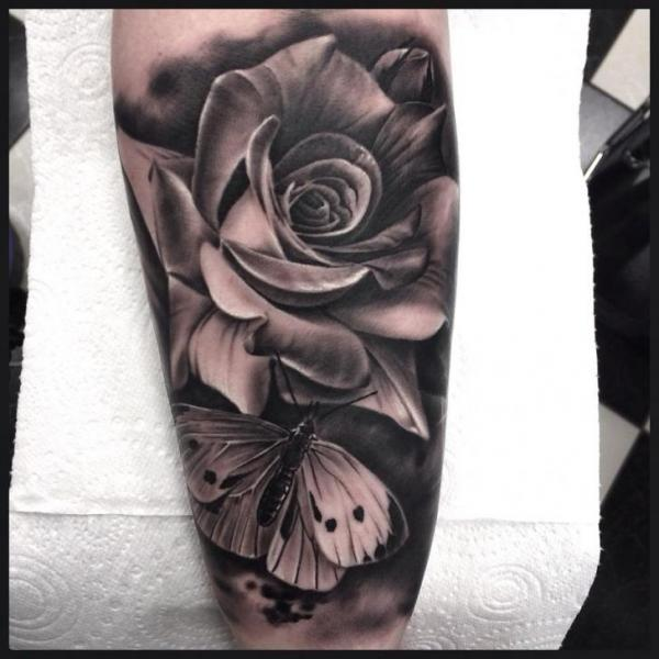 Arm Blumen Schmetterling Tattoo Von Pete The Thief