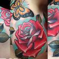 tatuagem Ombro Flor Borboleta Rosa por The Art of London