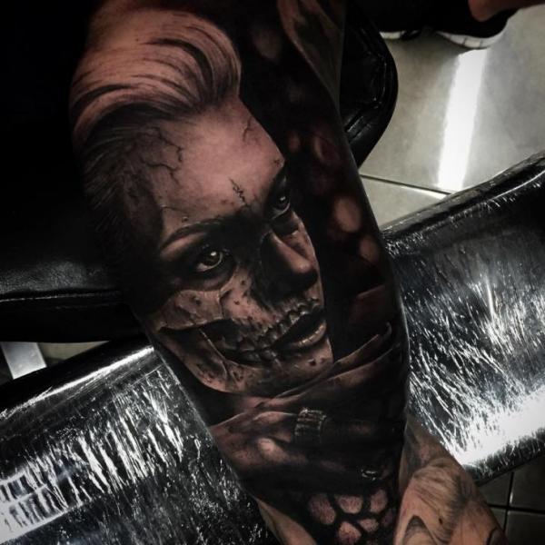 Arm Frauen Zombie Tattoo von Drew Apicture
