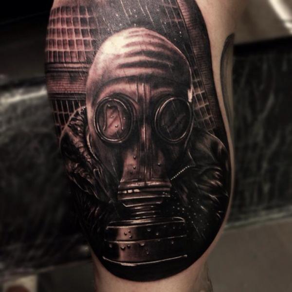 Realistische Gas Masken Tattoo von Drew Apicture