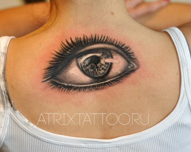 Tatuaggio Realistici Schiena Occhio di Atrixtattoo