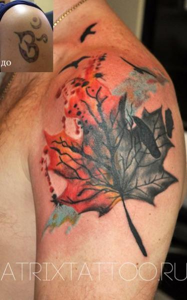 Shoulder Realistic Leaf Tattoo by Atrixtattoo