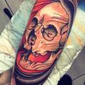 tatouage Bras Crâne par Dagger & Lark Tattoo