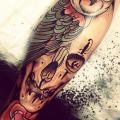 tatuaje Pierna Cráneo Búho por Dagger & Lark Tattoo