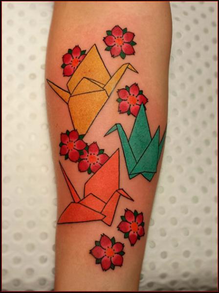 Arm Origami Tattoo von Chapel Tattoo