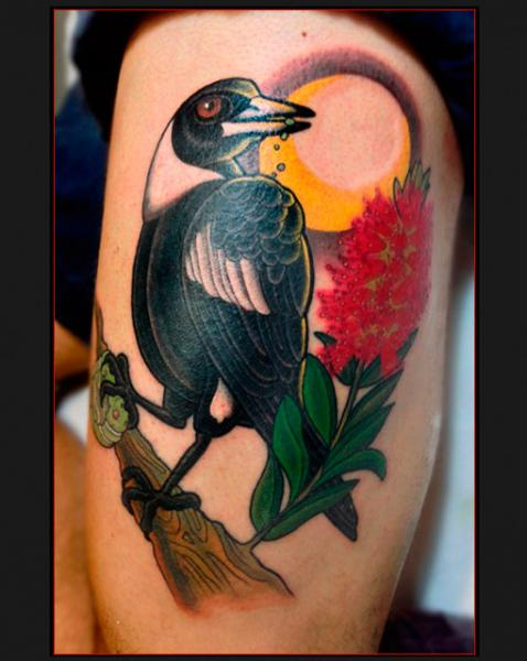 Arm Realistische Vogel Tattoo von Chapel Tattoo