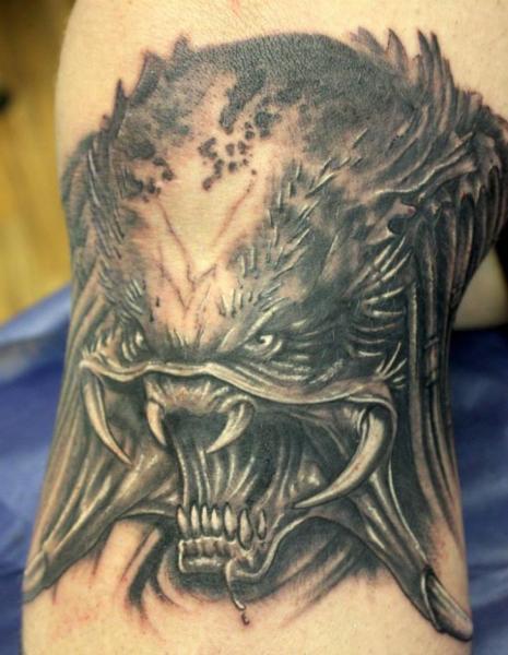 Arm Fantasie Monster Tattoo von Herzstich Tattoo