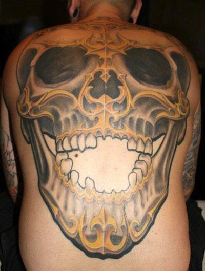 Skull Back Tattoo by Herzstich Tattoo