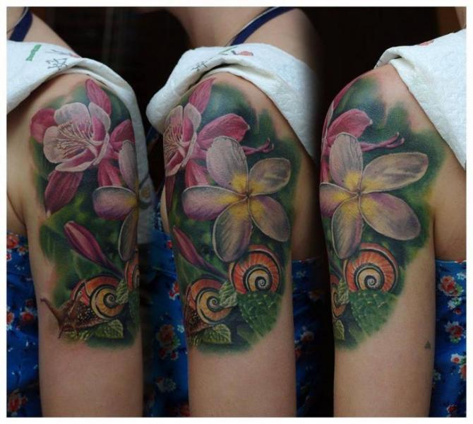 Shoulder Realistic Flower Tattoo by Redberry Tattoo