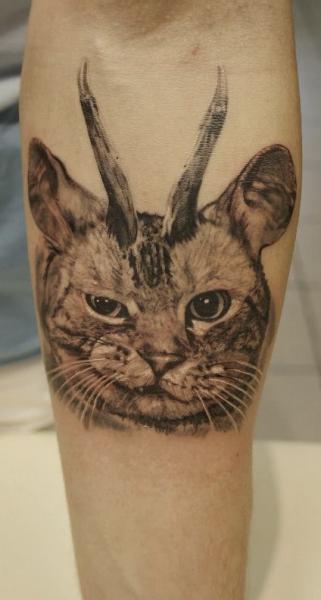 Tatuaggio Braccio Realistici Gatto di Nikita Zarubin