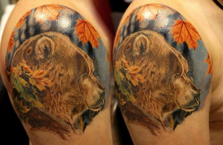Shoulder Realistic Bear Leaf Tattoo by Nikita Zarubin