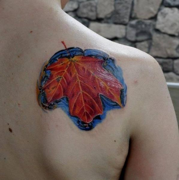 Shoulder Leaf Tattoo by Nikita Zarubin