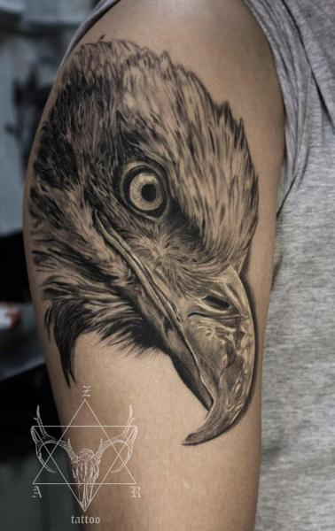 Shoulder Realistic Eagle Tattoo by Nikita Zarubin