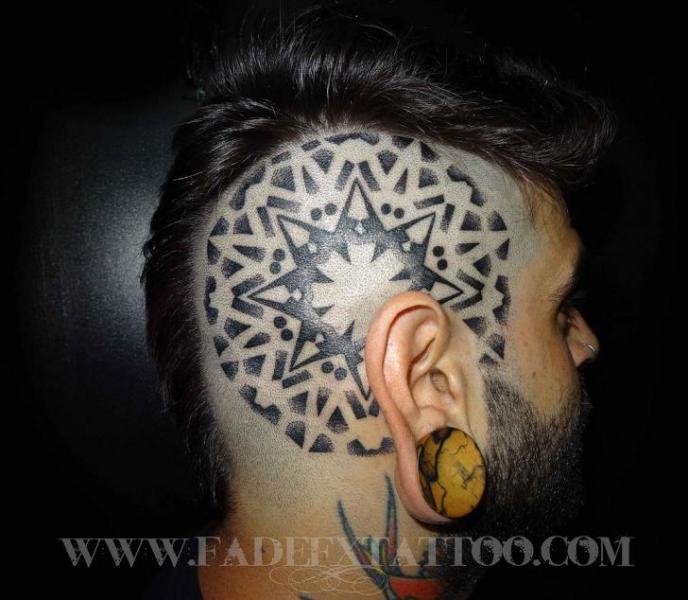 Kopf Dotwork Tattoo von Fade Fx Tattoo