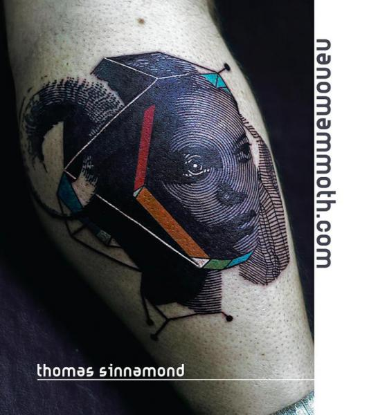 Tatuaje Ternero Mujer Abstracto por Thomas Sinnamond
