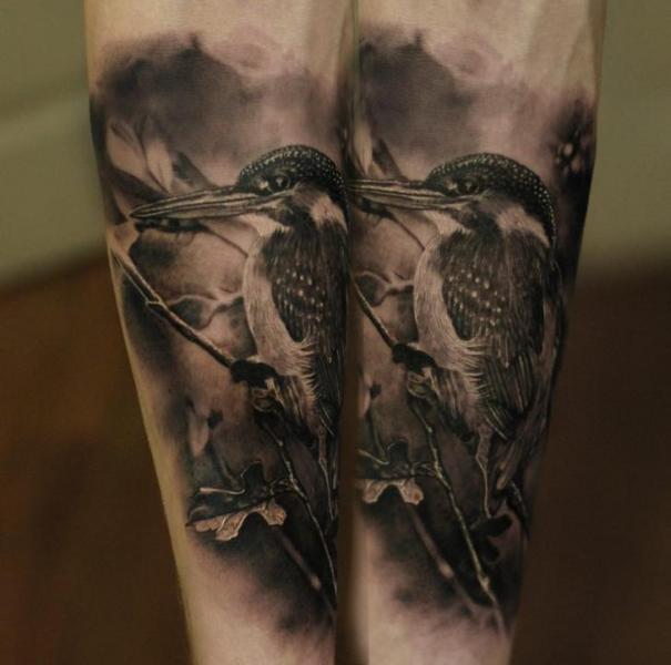 Arm Realistische Vogel Tattoo von Matthew James