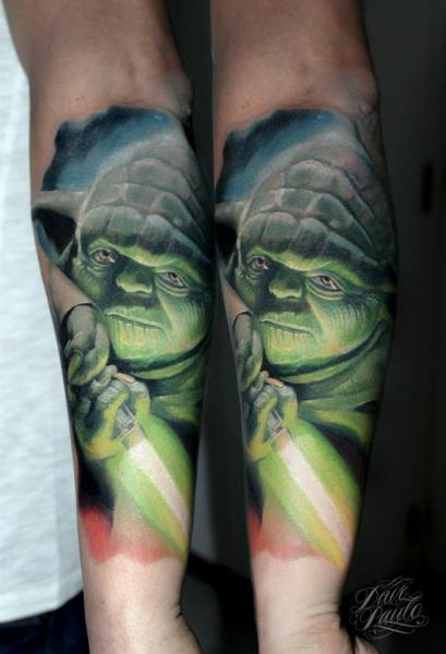 Arm Yoda Star Wars Tattoo von Dave Paulo