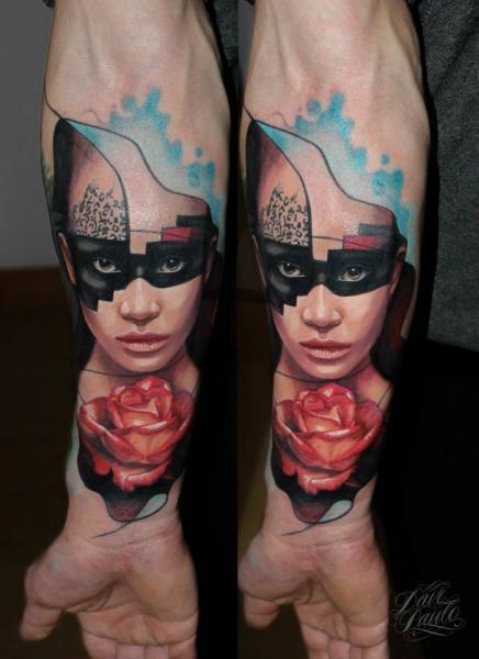 Arm Blumen Frauen Tattoo von Dave Paulo