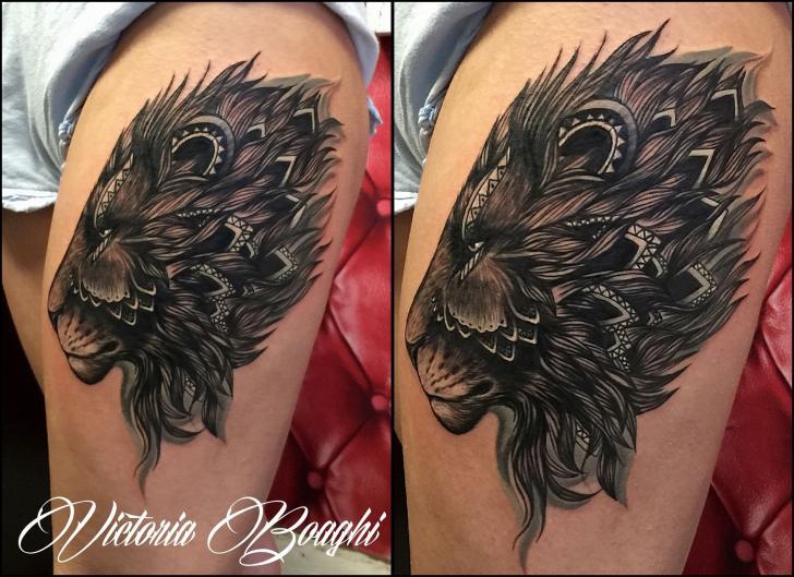 Löwen Oberschenkel Tattoo von Victoria Boaghi