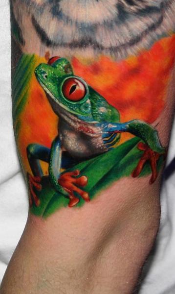 Arm Realistic Frog Tattoo by Carlox Tattoo