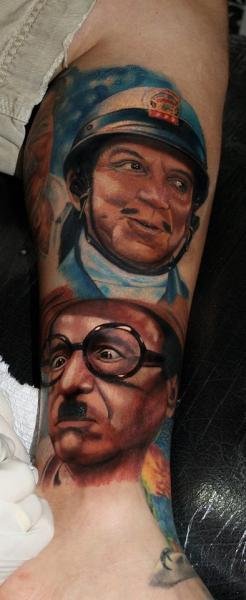 Arm Porträt Realistische Tattoo von Carlox Tattoo