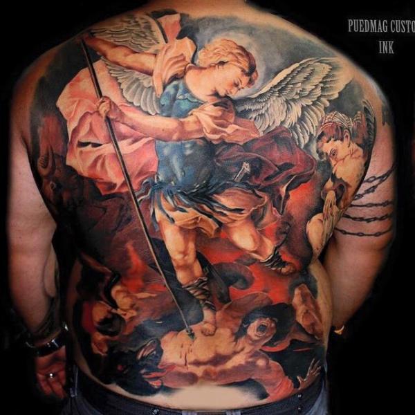 Tatuaje Espalda Ángel Religioso por Puedmag Custom Ink Tattoos