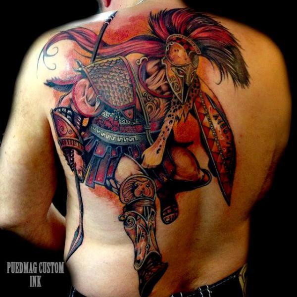 Tatuaje Realista Espalda Guerrero por Puedmag Custom Ink Tattoos