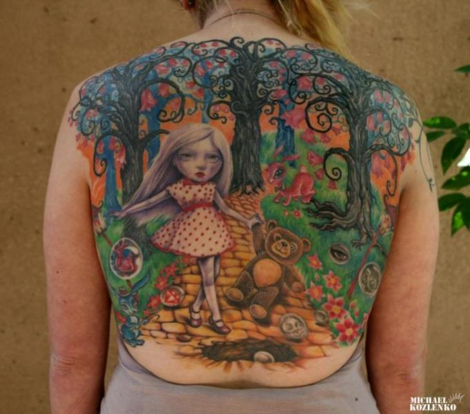 Tatuaggio Fantasy Schiena Personaggi Albero di Kipod Studio