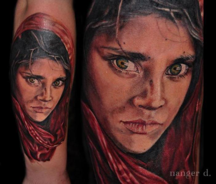Arm Porträt Frauen Tattoo von Kwadron Tattoo Gallery