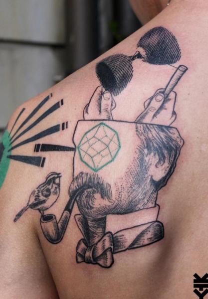 Rücken Abstrakt Tattoo von On Point Tattoo