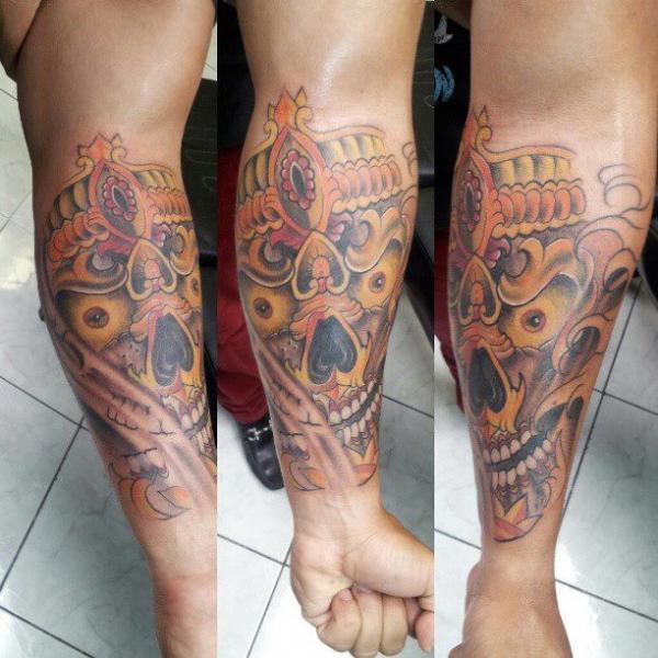 Tatuaggio Braccio Demoni di Inkaholik Tattoos