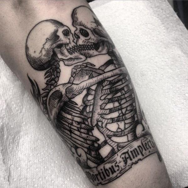 Arm Skeleton Tattoo von Sacred Art Tattoo