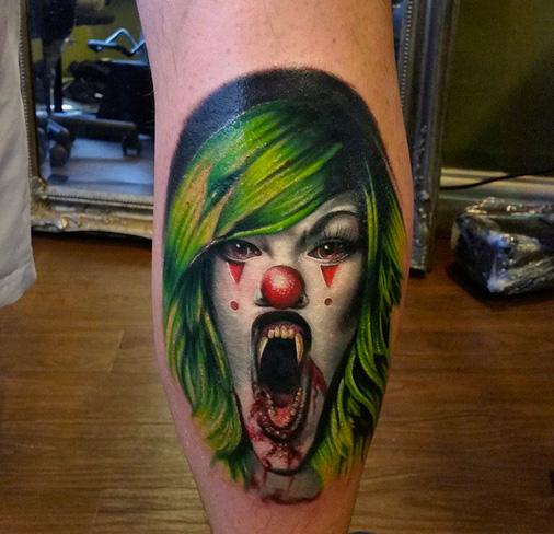 Fantasie Waden Clown Tattoo von Sacred Art Tattoo
