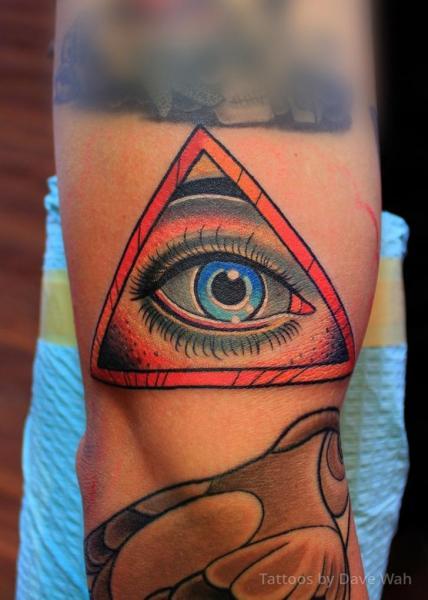 Arm Auge Gott Tattoo von Dave Wah
