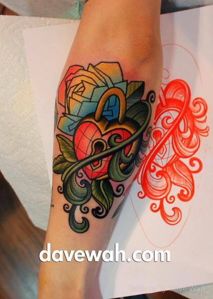 Tatuaggio Braccio Serratura Foglia di Dave Wah