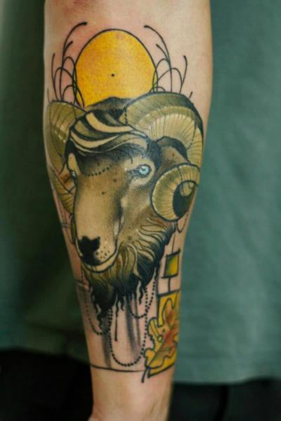 Tatuaggio Braccio Capricorno di Signs and Wonders