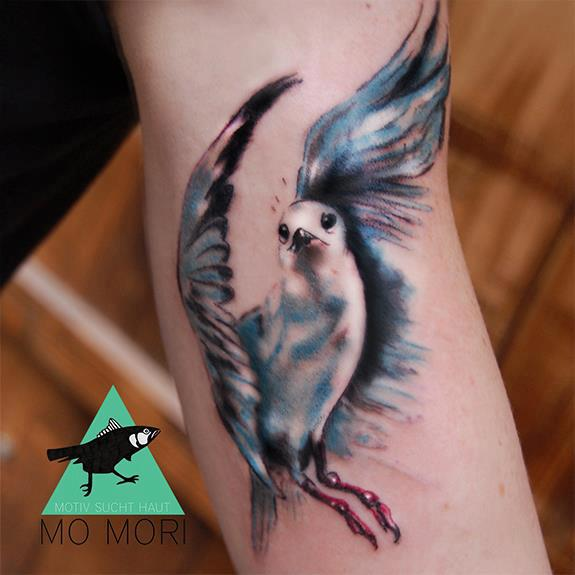 Arm Realistische Vogel Tattoo von Signs and Wonders