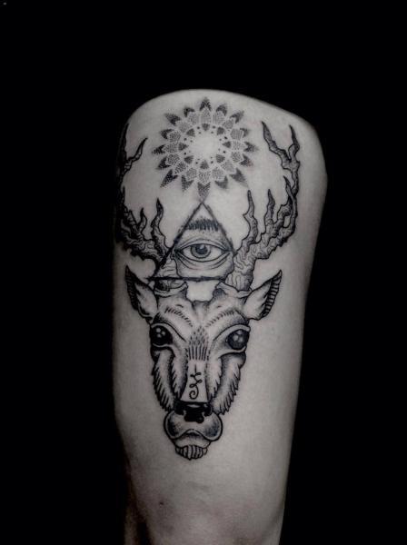 God Dotwork Thigh Deer Tattoo by Silence of Art Tattoo Studio