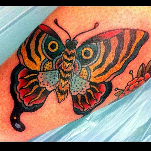Arm Old School Schmetterling Tattoo von Ten Ten Tattoo