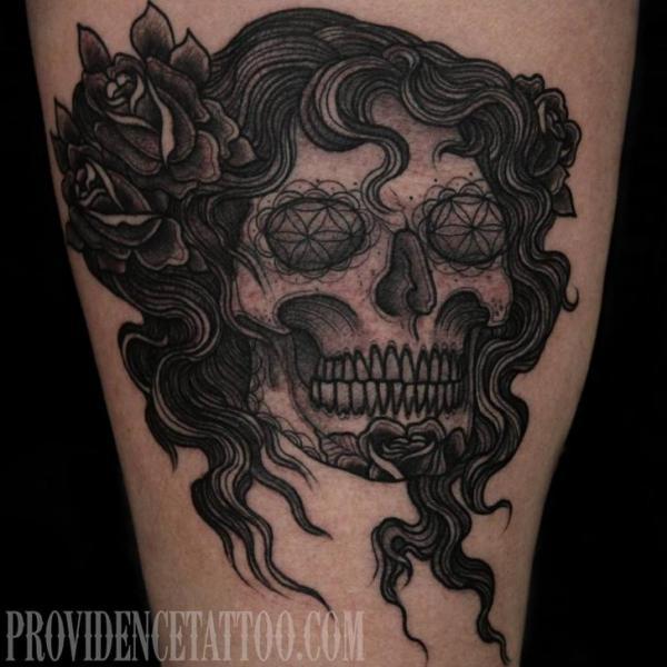 Arm Totenkopf Tattoo von Providence Tattoo studio