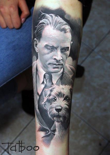 Arm Porträt Realistische Hund Tattoo von Valentina Riabova